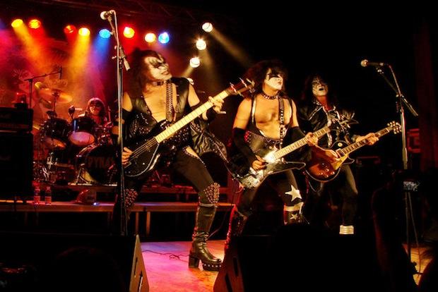 tribute_band_make_show_more_memorable