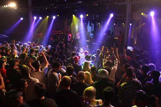 venues_booking_maintain_relationships_diy_musician_band_independent_artist