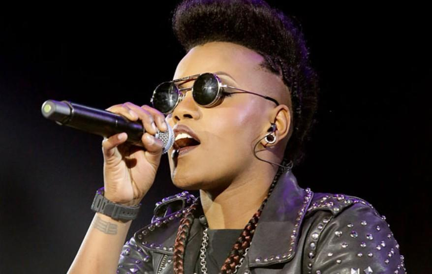 toya_delazy_independent_artist_musician_band_diy_marketing_twitter_strategy