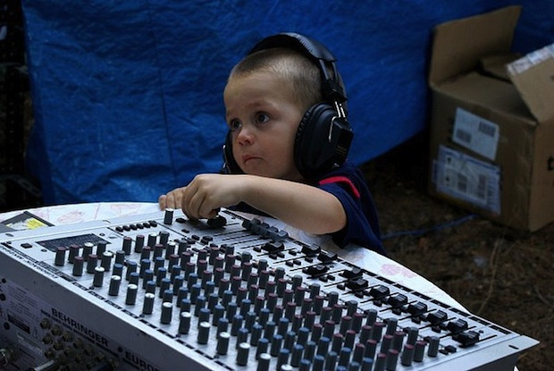 angry_sound_guy_engineer_live_build_a_fanbase