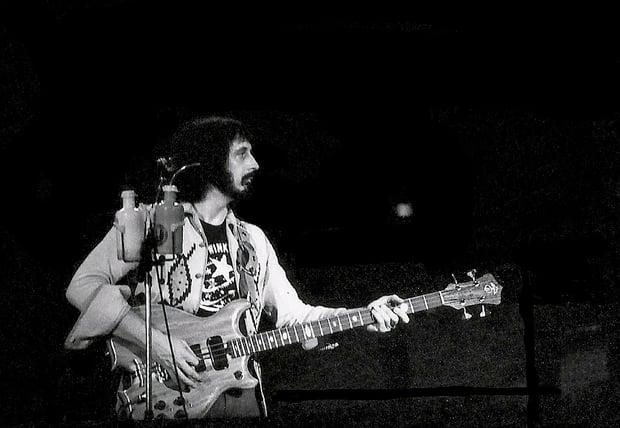 1024px-John_Entwistle_The_Who_1976_Winterland_San_Francisco