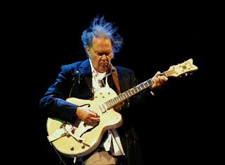 1280px-Neil_Young_2012.jpg