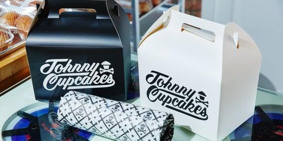 4_Johnny-Cupcakes-700x350