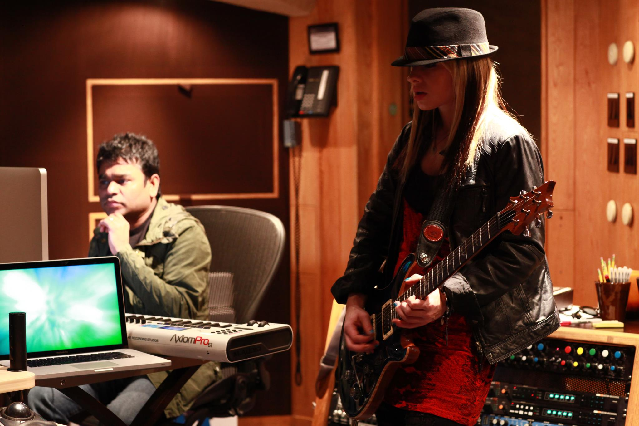 A.R.Rahman_with_Orianthi_during_the_recording_of_Sadda_Haq.jpg