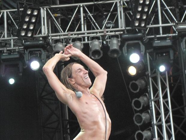 uncomfortable onstage