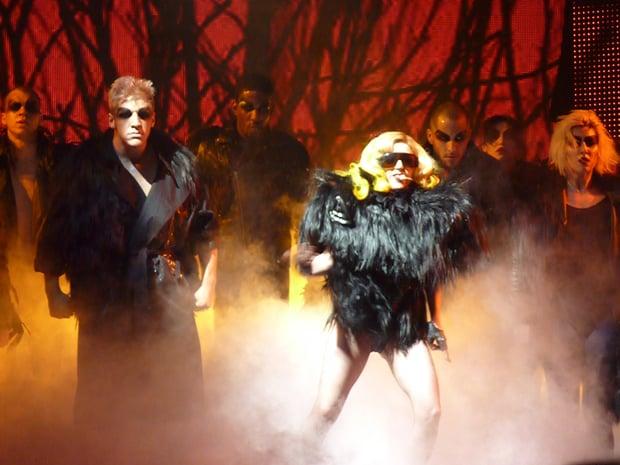 Lady_Gaga_performing_Monster.jpg
