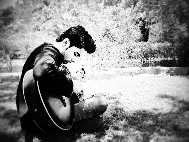 Prajyot_Mahajan_Acoustic_Fingerstyle_Guitarist.jpg