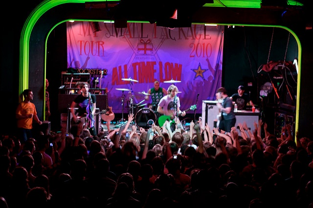 The_pop_punk_band_All_Time_Low_plays_to_a_packed_crowd_at_the_Hawthorne_Theatre._.jpg