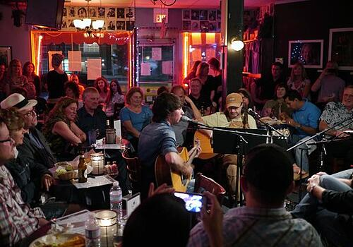bluebird_cafe_nashville_bands_singer_songwriter_country_bluegrass_diy_underground_independent