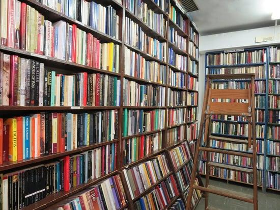 books-185534_960_720