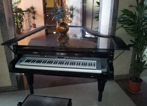 electric-piano-1395158731.jpg