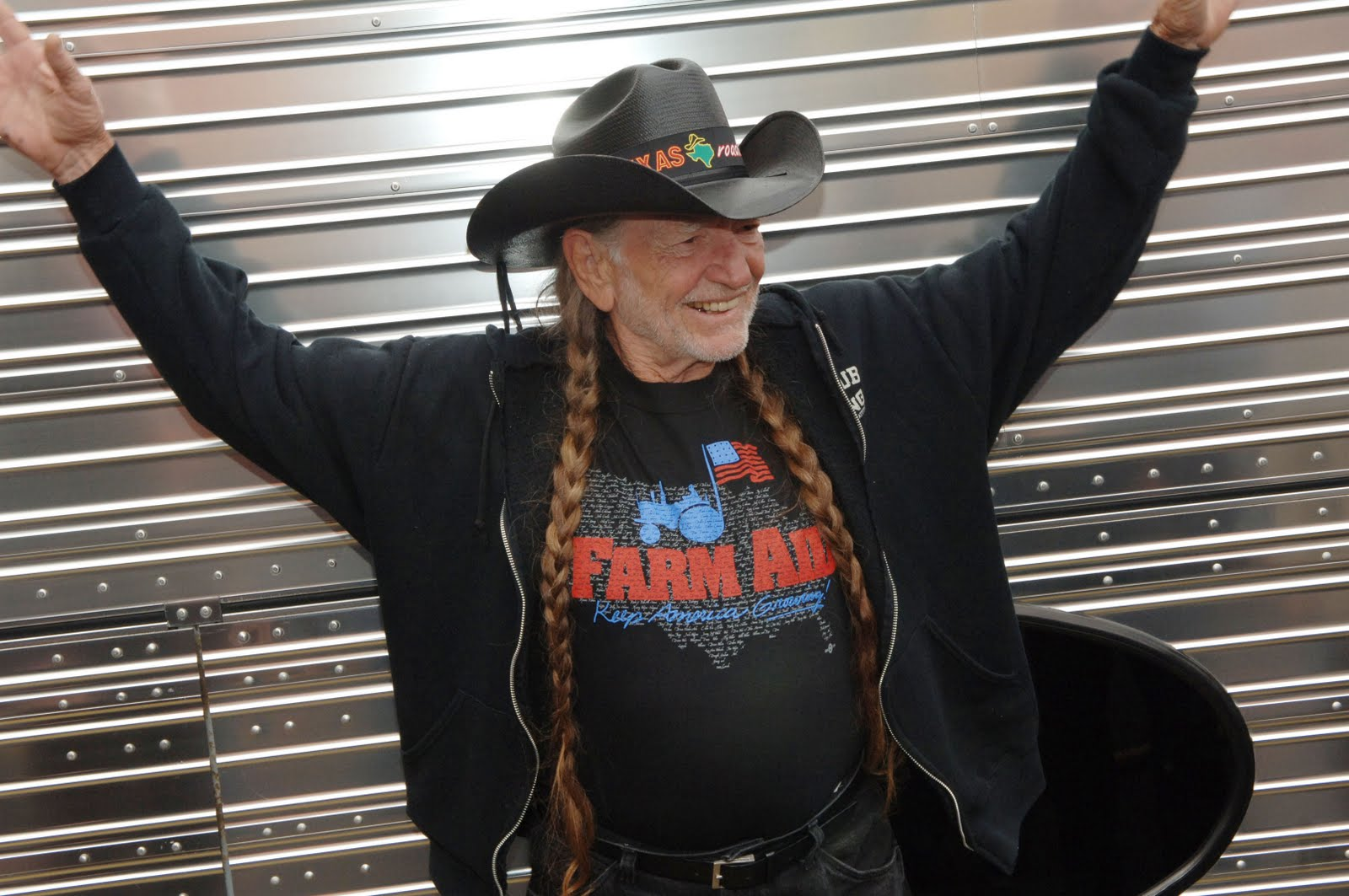 farm_aid_willie_nelson_bands_benefit_concert_show_memorable_nontraditional_diy_gigs_gigging