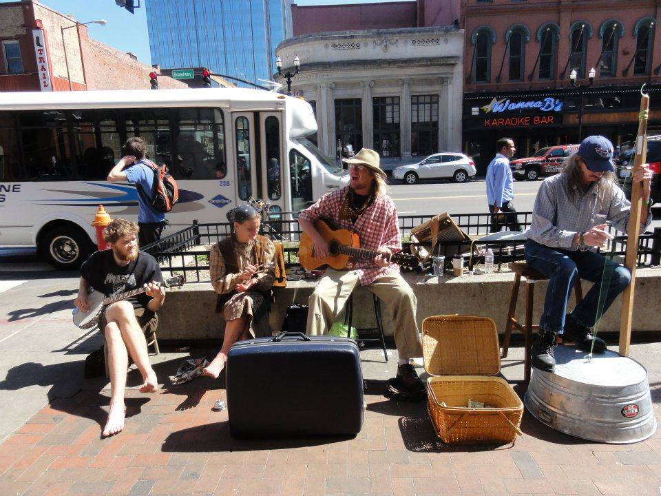 nashville_busking_street_performers_diy_underground_independent_artists_bands_musicians