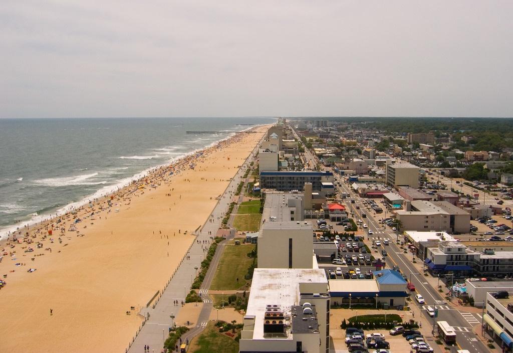 va_beach_2129859832_2759c74049_b-1