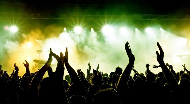Live-concert-crowd