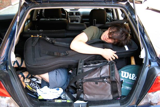Musician_in_a_car