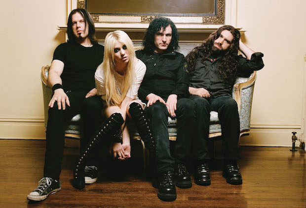 The-Pretty-Reckless-publicity-photo2_6-16-10-1