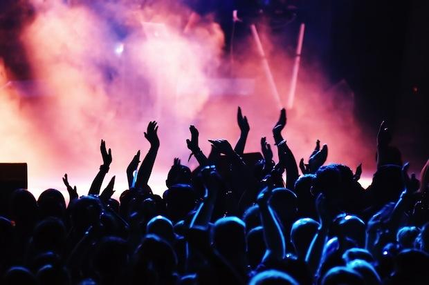 concert-crowd-2