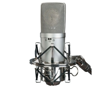 What's the Difference Between Condenser and Dynamic Microphones?