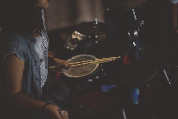 drummer-1208190_1920.jpg